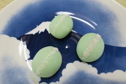 写真:本日のお菓子のこぼれ萩