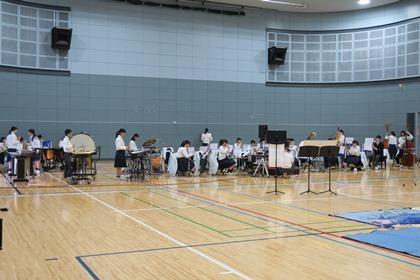 写真:体育館を吹奏楽練習で使用