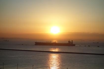 写真:展望室から見る初日の出の様子