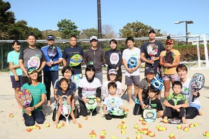 写真:日帰りビーチテニス集合写真