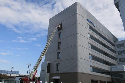 写真/はしご車による救出